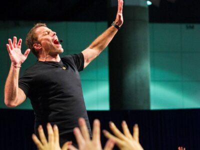 Nghi lễ buổi sáng Tony Robbins
